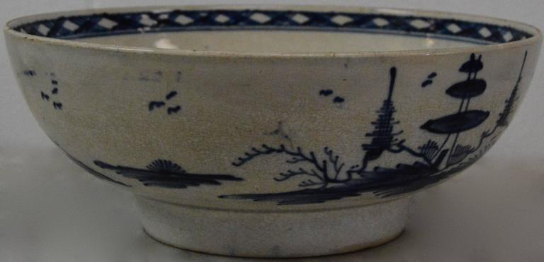 Fired Chinese Export Porcelain Bowl For Sale