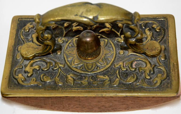 Victorian Bronze English Inkwell Set with Rocking Blotter For Sale 3