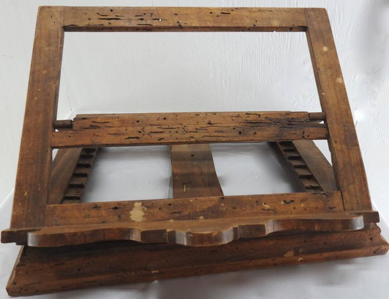 Late 18th Century Italian Olive Wood Book Stand For Sale 1
