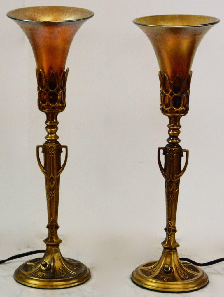 Art Deco Bronze Lamps with Iridescent Shades For Sale 4