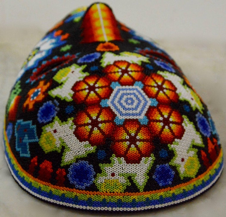 Mexican Huichol Hand Beaded Folk Art Mask Peyote Blossom In Good Condition For Sale In Cookeville, TN