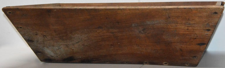 Primitive Wooden American Trough In Good Condition For Sale In Cookeville, TN