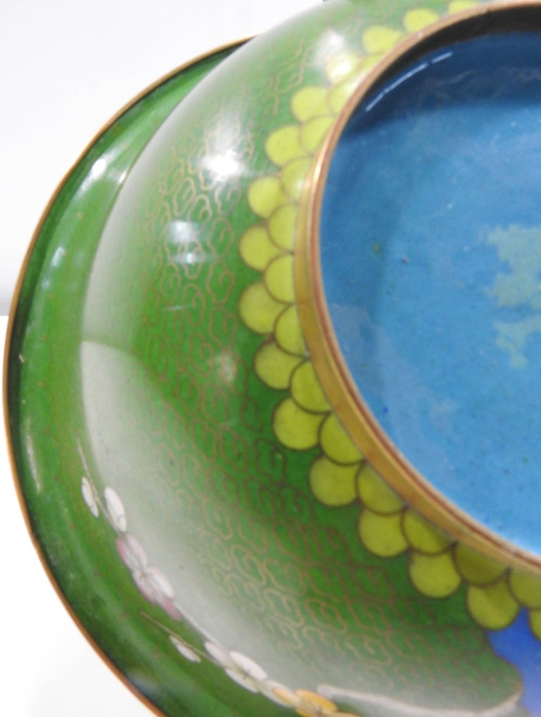 Cloisonné Bowl with Floral Details Midcentury In Good Condition For Sale In Cookeville, TN