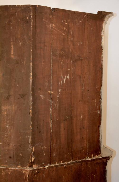 1790's Gustavian Corner Cupboard For Sale 2