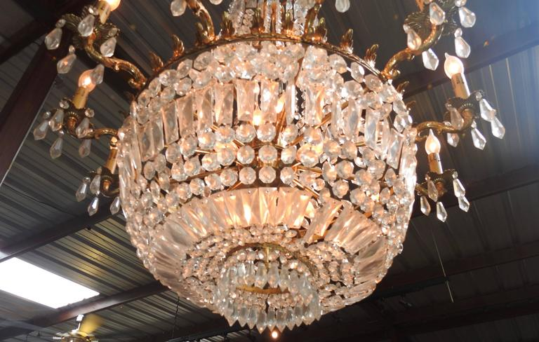 French Early 20th Century Empire Crystal and Bronze Chandelier For Sale 2