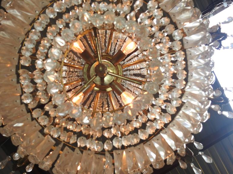 French Early 20th Century Empire Crystal and Bronze Chandelier For Sale 3