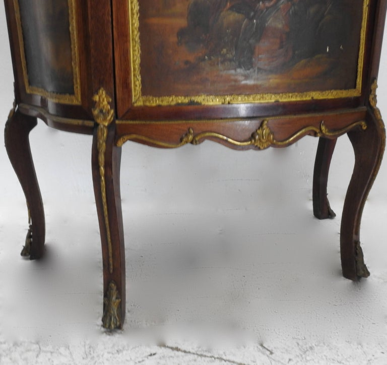 Rococo 19th Century French Vitrine with Ormolu For Sale