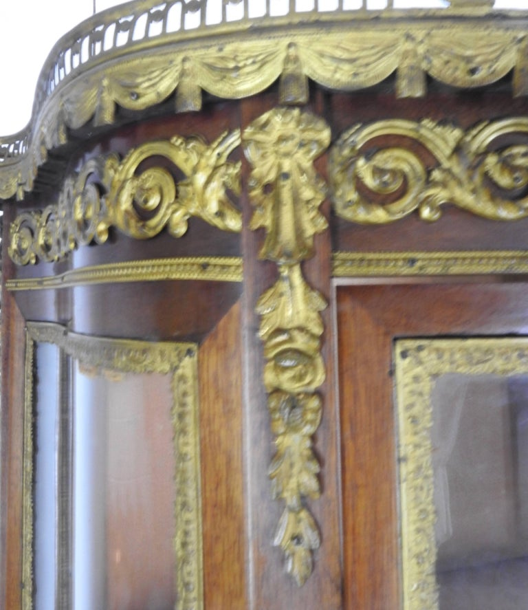 19th Century French Vitrine with Ormolu For Sale 3