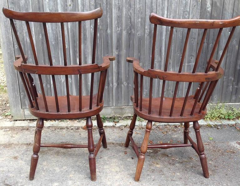 American Colonial Pair of Rare Windsor Jamaican Comb Back Mahogany Chairs, circa 1820s For Sale