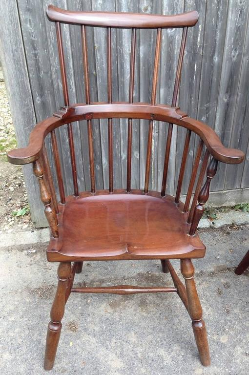 Hand-Carved Pair of Rare Windsor Jamaican Comb Back Mahogany Chairs, circa 1820s For Sale