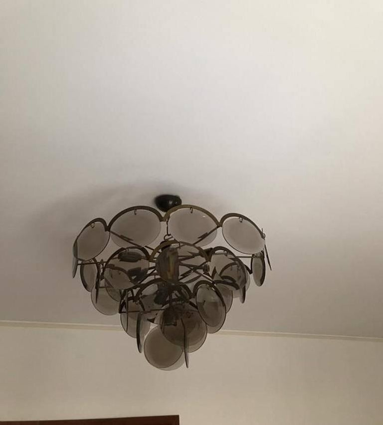 These splendid Vistosi chandeliers are in excellent condition and look incredibly glamorous both on and off. These offer a substantial scale and create a true visual impact with their 63 cm diameter and 48 cm frame height. Even light for their size,