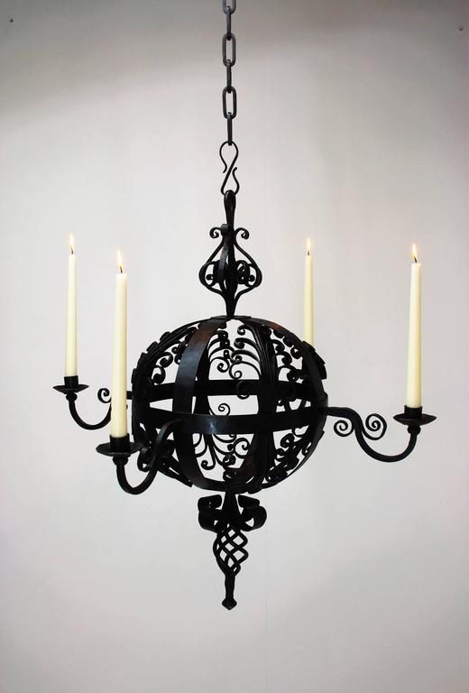 Early 19th Century Spanish Wrought Iron Chandelier In Good Condition For Sale In Belgium, BE