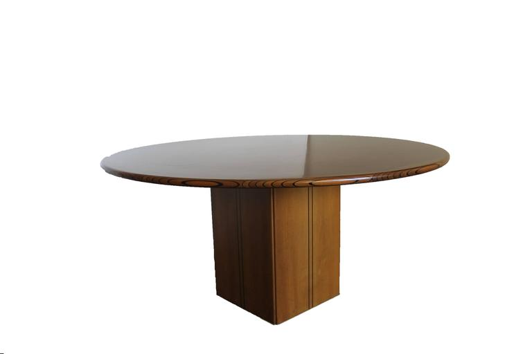 Modern Afra &Tobia Scarpa Round Table For Sale
