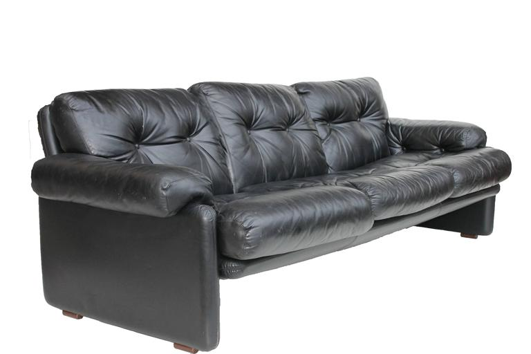 Coronado sofa designed by Tobia Scarpa for B&B Italia. The project is dated 1966. Black leather, great condition.