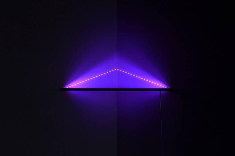 UV Powder-Coated Aluminium Minimal Geometric Sculptural Wall Lamp Light Object For Sale 1