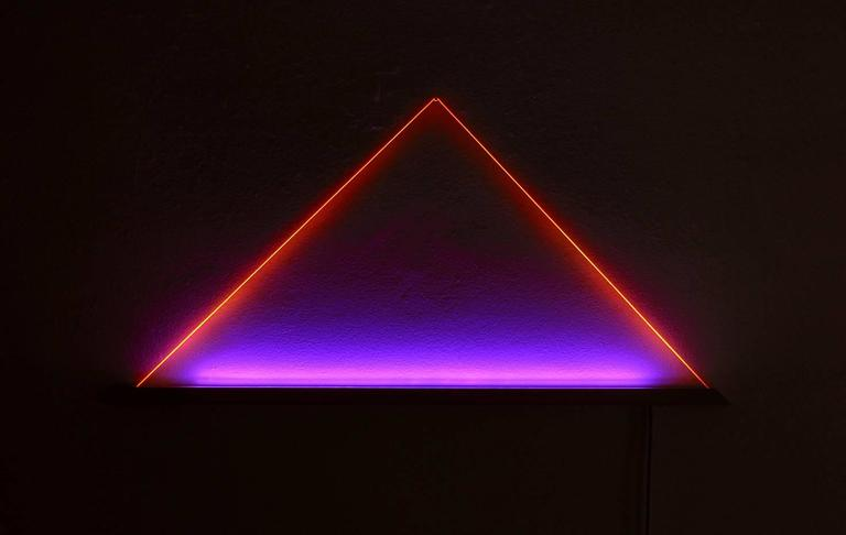 UV Powder-Coated Aluminium Minimal Geometric Sculptural Wall Lamp Light Object For Sale 3