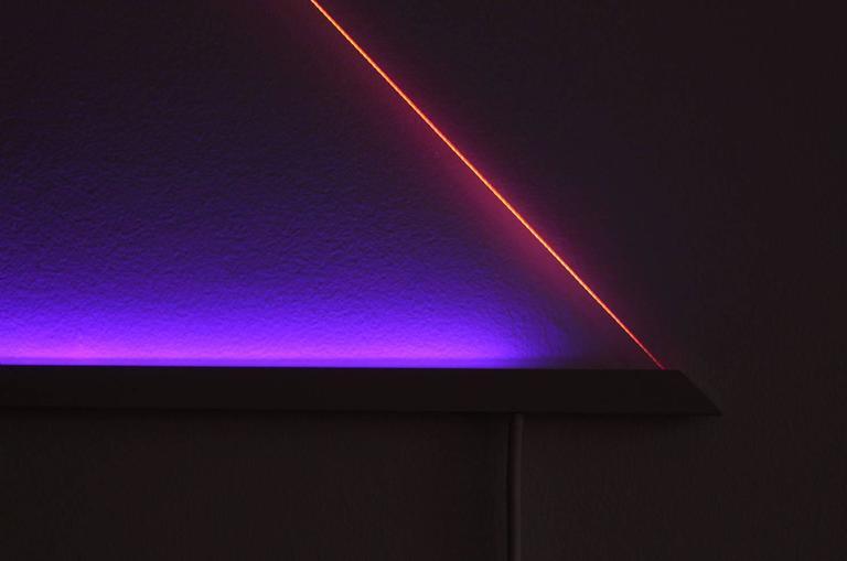 UV Powder-Coated Aluminium Minimal Geometric Sculptural Wall Lamp Light Object For Sale 2