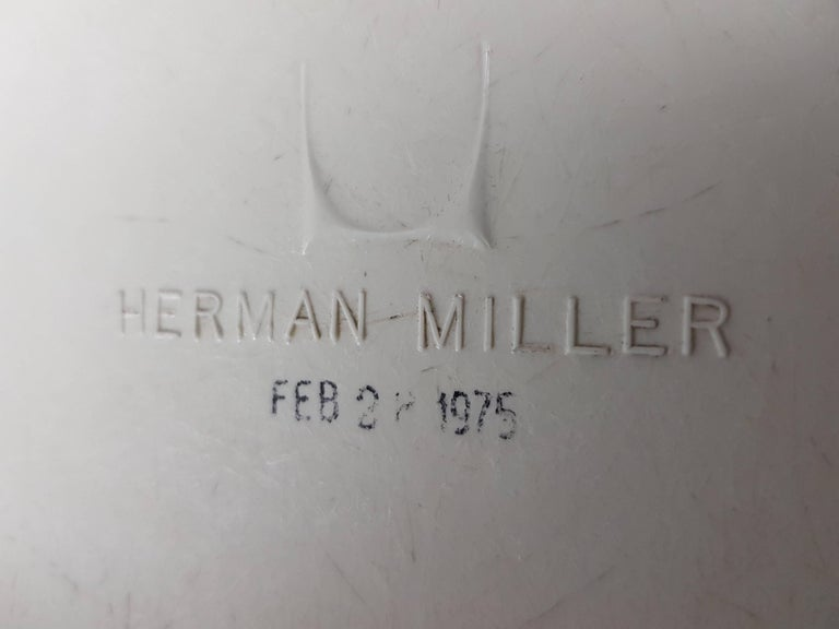 Steel Vintage Vinyl Upholstered Eames Swivel Chair on Contractor Base, Herman Miller For Sale