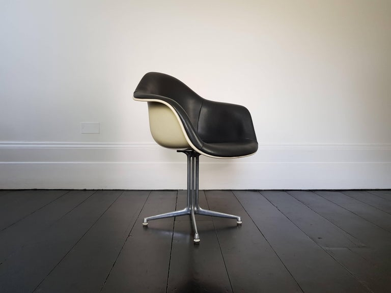 American Eames 'La Fonda' Chair for Herman Milller For Sale