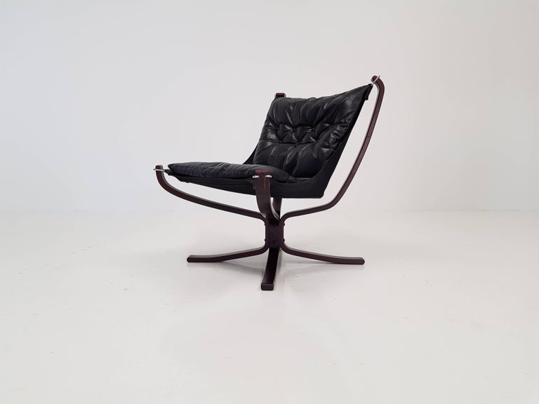 Vintage low-backed X-framed Sigurd Ressell designed Falcon chair, 1970s.