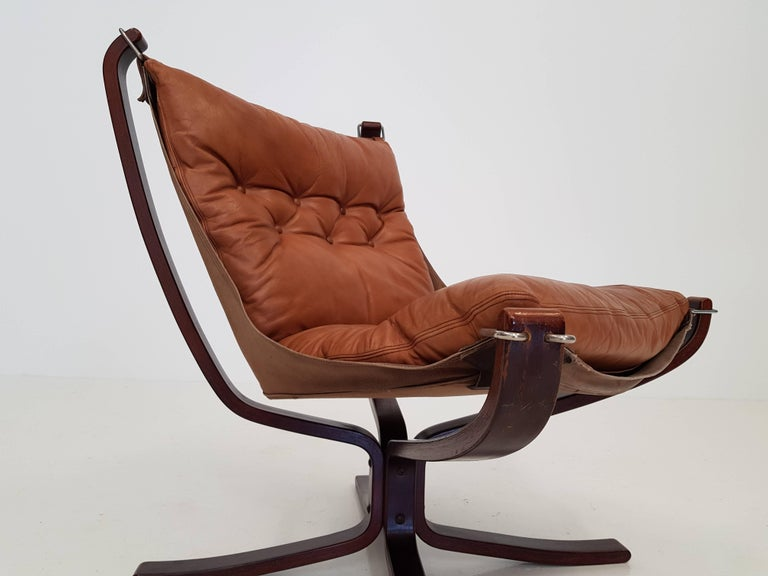 Vintage Low-Backed X-Framed Sigurd Ressell Designed Falcon Chair, 1970s For Sale 2