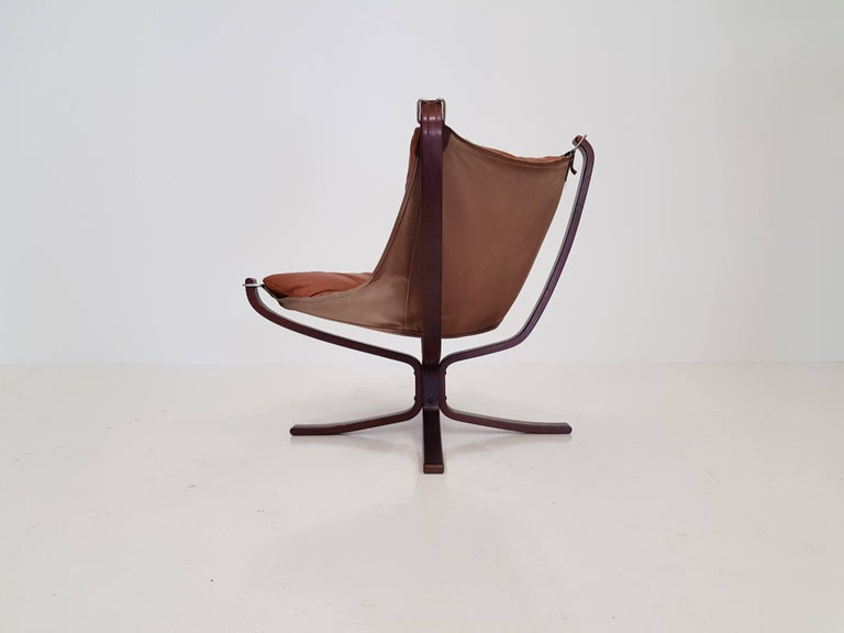 20th Century Vintage Low-Backed X-Framed Sigurd Ressell Designed Falcon Chair, 1970s For Sale