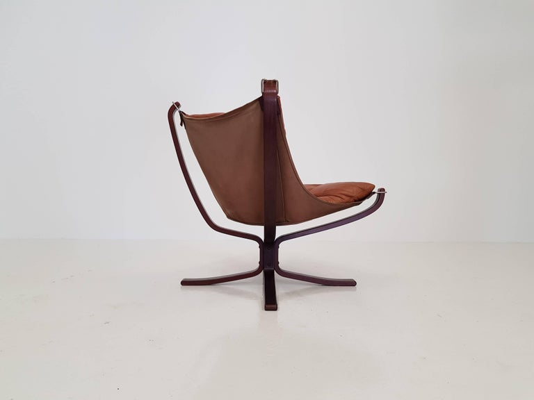 Vintage Low-Backed X-Framed Sigurd Ressell Designed Falcon Chair, 1970s For Sale 1