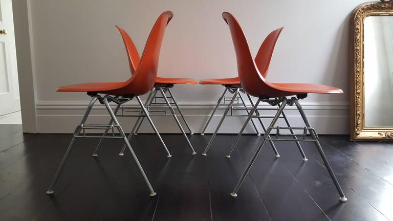 American Original Set of Four Charles & Ray Eames DSS Herman Miller Chairs For Sale
