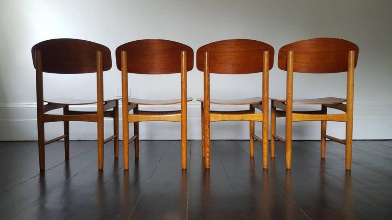 Model 122 Teak and Oak Dining Chairs by Børge Mogensen for Søborg, 1960s In Good Condition In London Road, Baldock, Hertfordshire