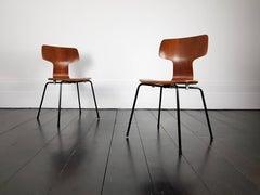 "A pair of ""Model 3103"" Hammer Chair by Arne Jacobsen for Fritz Hansen, 1960s"