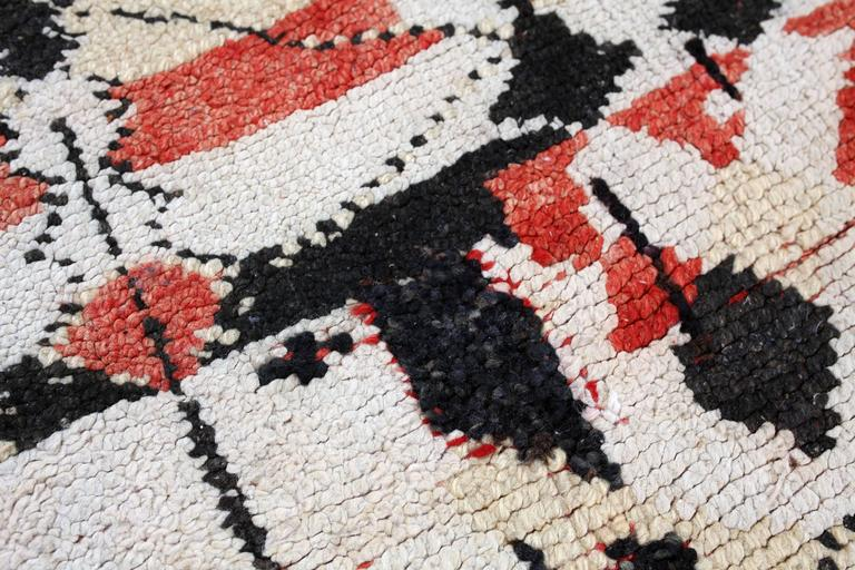 Hand-Knotted Vintage Moroccan Berber tapestry / rug For Sale