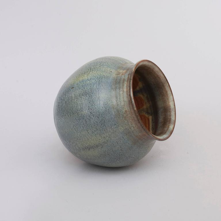 Art deco vase by w c brouwer for sale at 1stdibs - Object deco wc ...