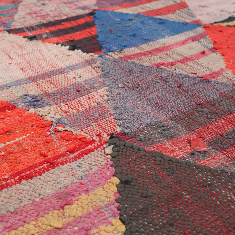 Vintage Moroccan Flat-Weave Boucheroite Rug In Good Condition For Sale In Amsterdam, NL