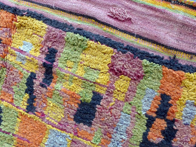 Vintage Moroccan Berber Rug with abstract colorfield In Good Condition For Sale In Amsterdam, NL