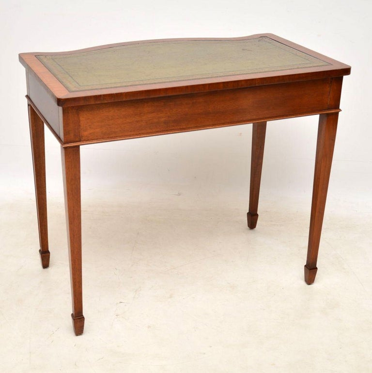 Antique Mahogany Sheraton Style Writing Table In Excellent Condition For  Sale In London, GB - Antique Mahogany Sheraton Style Writing Table At 1stdibs