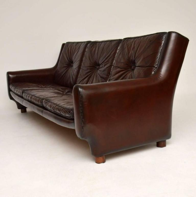retro argentinian leather sofa vintage 1960s at 1stdibs. Black Bedroom Furniture Sets. Home Design Ideas