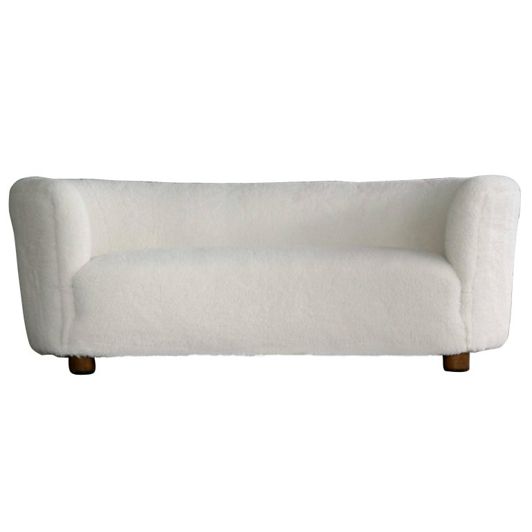 Viggo Boesen Attributed Banana Shape Sofa in Lambswool by Slagelse Møbelværk