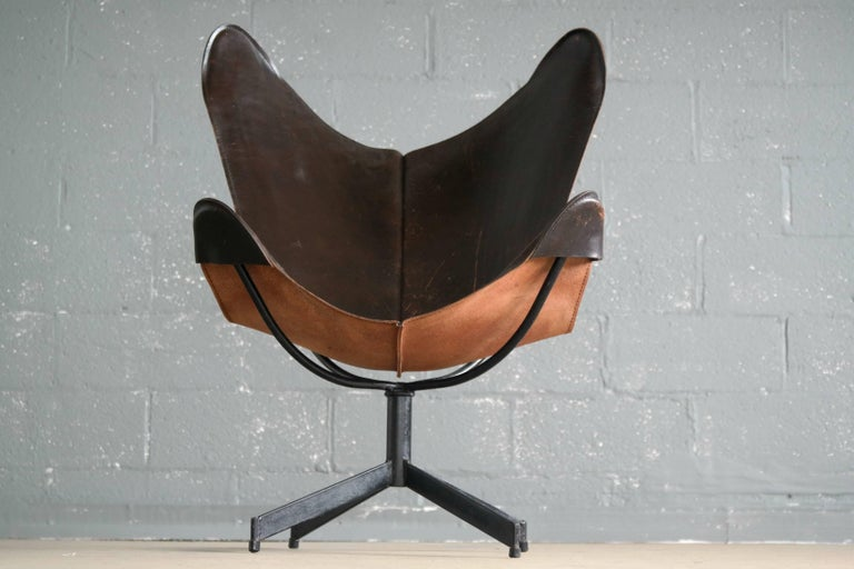 Forged 1960s Butterfly Sling Chair and Ottoman in Saddle Leather by William Katavolos For Sale