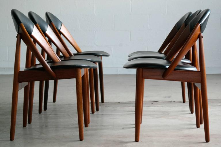 Very Rare Set of Six Dining Chairs by Arne Hovmand Olsen In Excellent Condition For Sale In Bridgeport, CT
