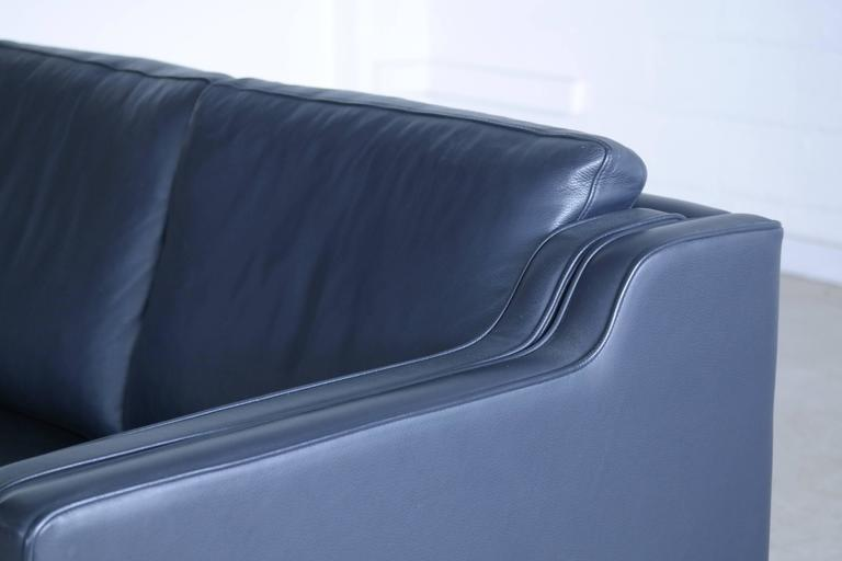 Børge Mogensen Model 2212 Style Two-Seat Sofa in Dark Sapphire Leather by Stouby 5