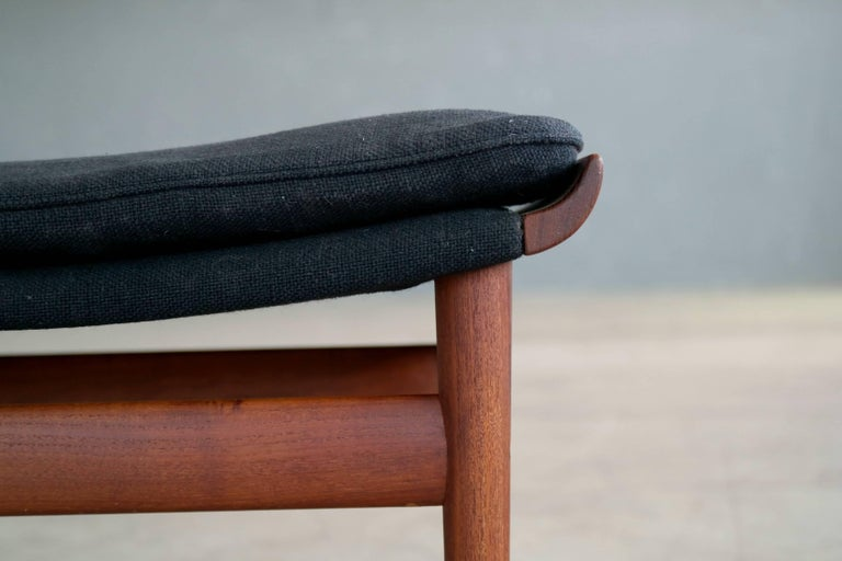 Finn Juhl Bwana Footstool or Ottoman in Teak for France & Son In Excellent Condition For Sale In Bridgeport, CT