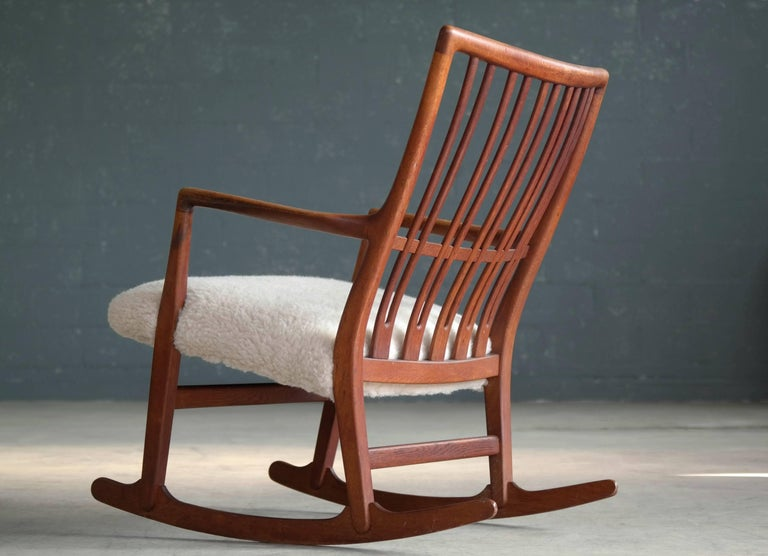 hans wegner 1940s ml 33 rocking chair in teak and lambswool for