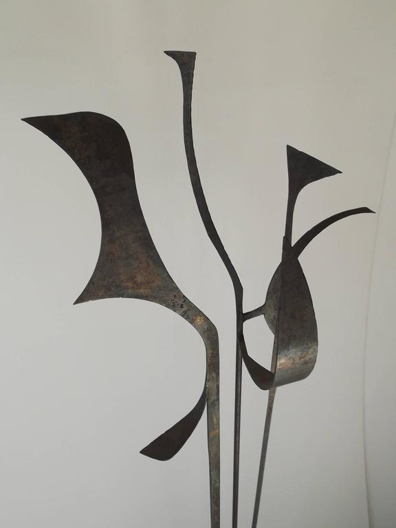 Signed 1963 Jay J. McVicker Abstract Modernist Tall Welded Steel Sculpture For Sale 2