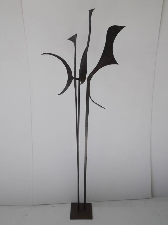 Signed 1963 Jay J. McVicker Abstract Modernist Tall Welded Steel Sculpture For Sale 3