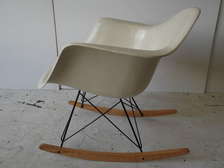 Charles eames herman miller 1955 rocking chair two triangle summit mark for - Rocking chair charles eames ...