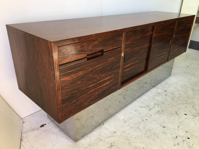 Rosewood Chrome Plinth Base Credenza In Good Condition For Sale In Tulsa, OK