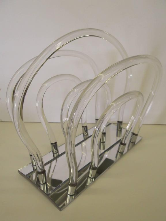 Hollywood Regency Dorothy Thorpe Chrome Mirror Lucite Magazine Rack For Sale