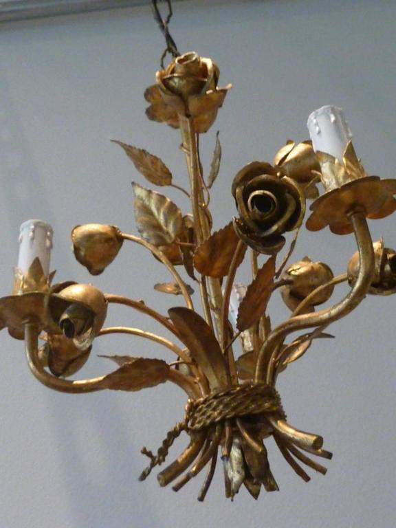 Mid-20th Century 1960s Italian Gilded Rose Flower Chandelier Hollywood Regency Style For Sale