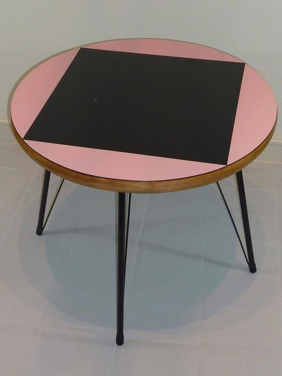 Mid-Century Modern Pink and Black Mid-Century Rockabilly Dining Table For Sale