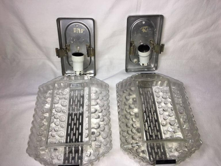 Pair of Mid-Century 1960s Bubble Chrome Glass Wall Sconces In Good Condition For Sale In Frisco, TX